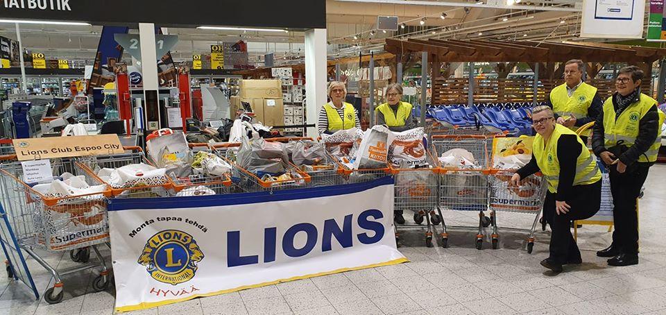 LC Espoo/Aurorat ja LC Espoo/City yhdessä keräsivät K-Supermarket Mankkaalla 9 kärryllistä tavaraa marraskuussa 2019
